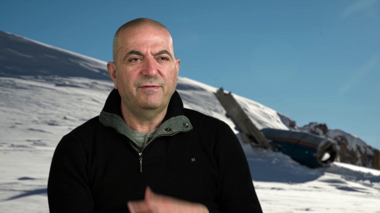The Mountain Between Us: Hany Abu-Assad On the Stunts (International)
