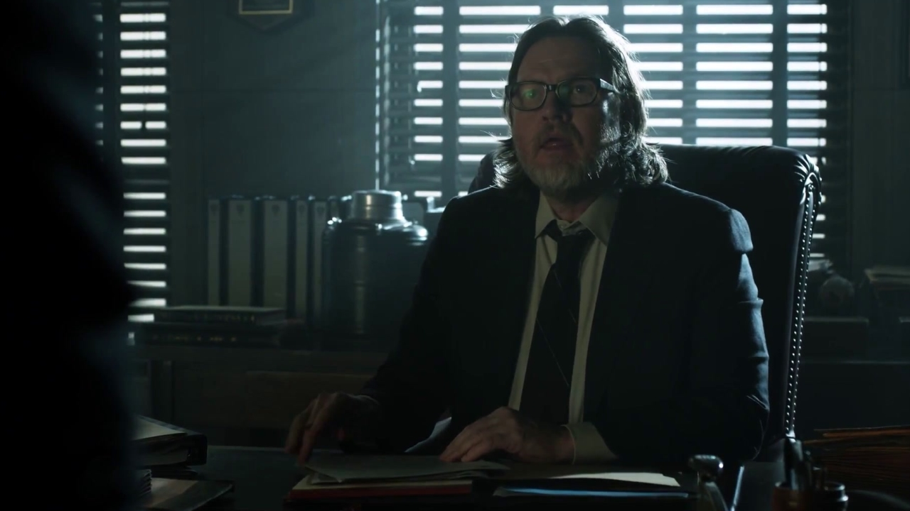 Gotham: Harvey & James Get Into A Heated Argument