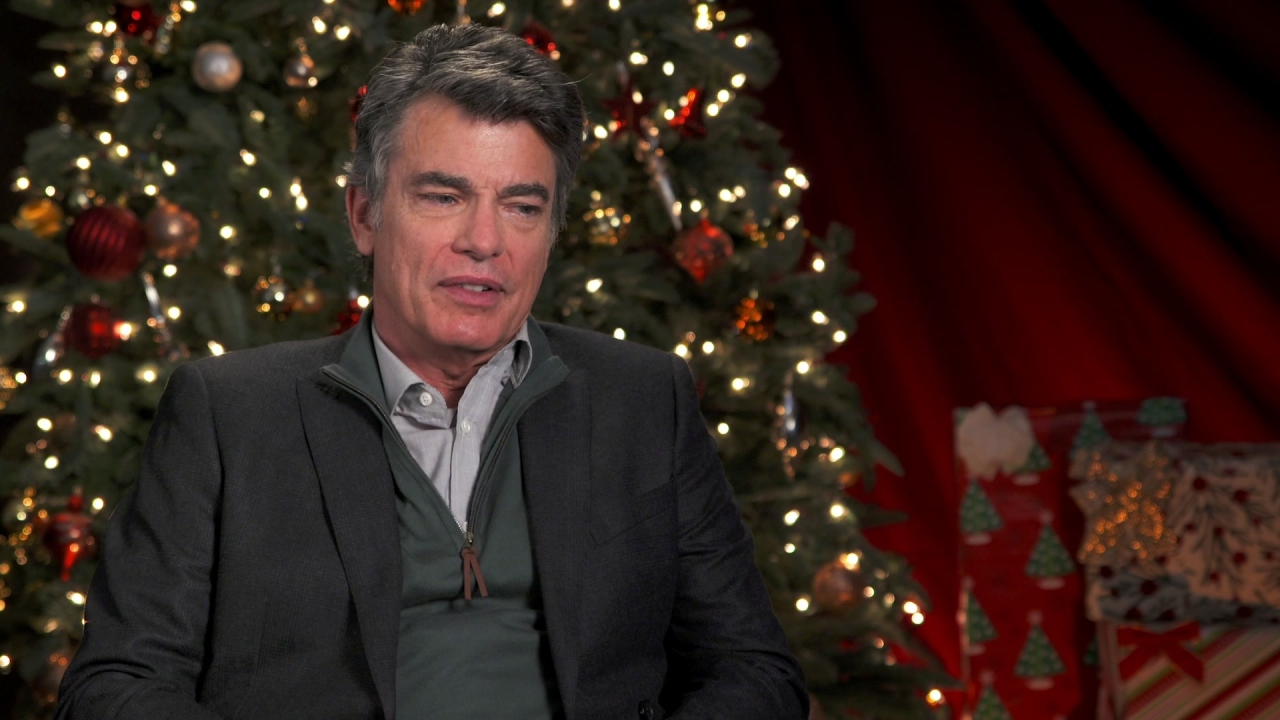 A Bad Moms Christmas: Peter Gallagher On Why He Likes His Character 'Hank'