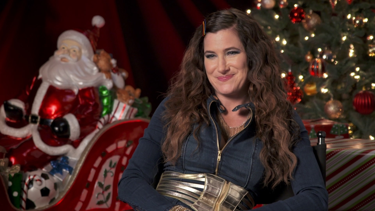 A Bad Moms Christmas: Kathryn Hahn On Her Character 'Carla'