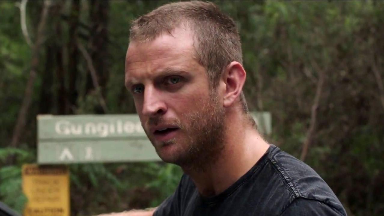 Killing Ground: Sam And Ian Meet The Hunter