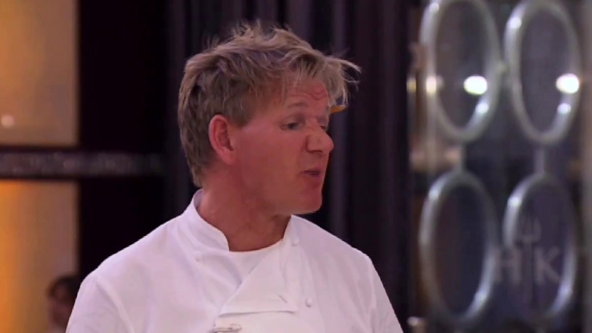 Hell's Kitchen: Blue Team Fumbles Their Hot Appetizers