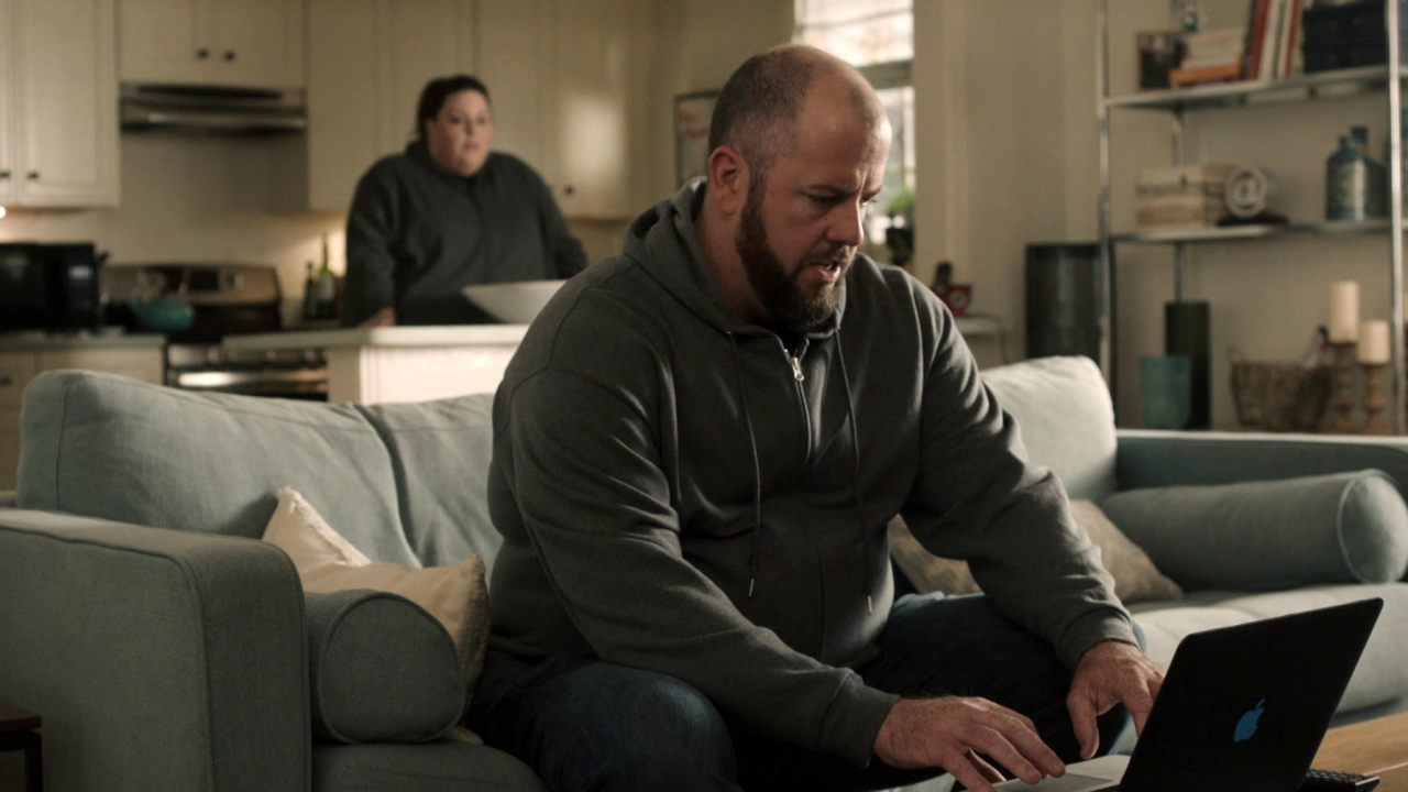 This Is Us: Kevin Comes Over To Kate And Toby's Apartment