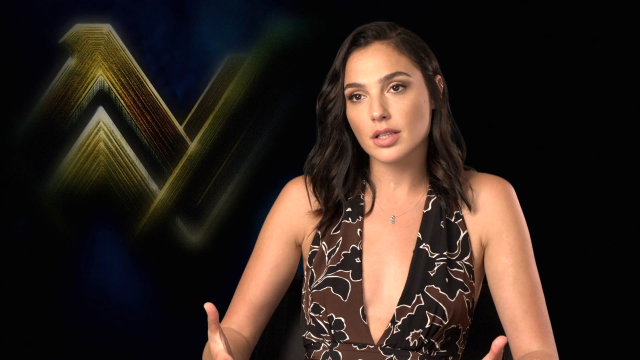 Justice League: Gal Gadot On Why Wonder Woman Avoids The Spotlight
