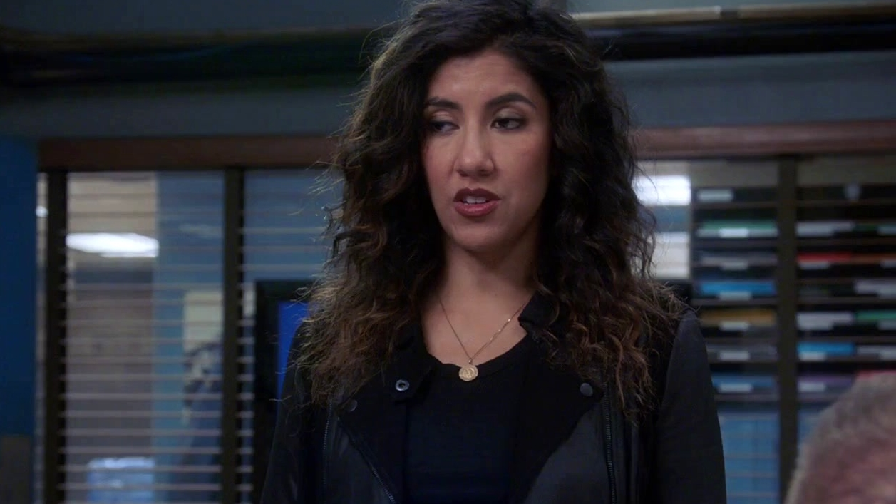 Brooklyn Nine-Nine: Hitchcock & Scully Challenge Rosa To A Sitting Contest