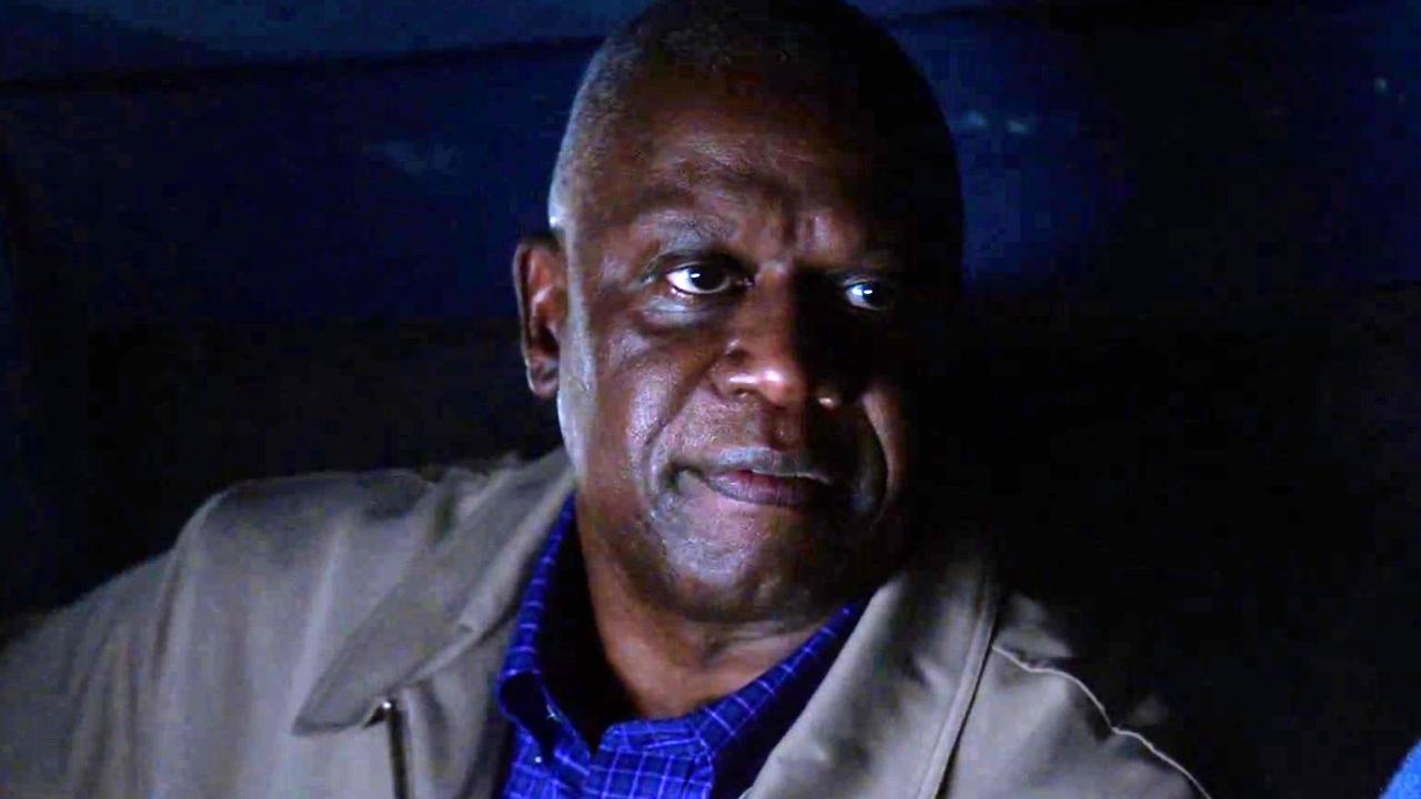 Brooklyn Nine-Nine: Captain Holt Gives Jake A New Identity