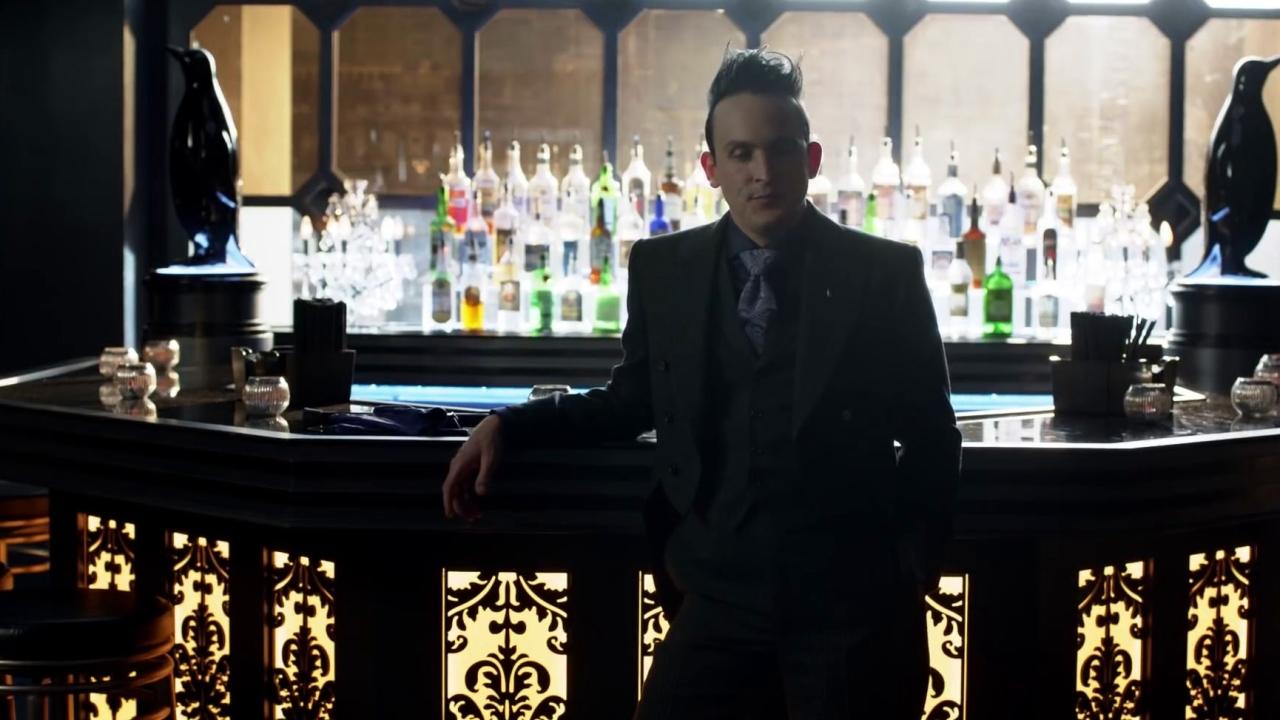 Gotham: Penguin Receives A Message From Riddler