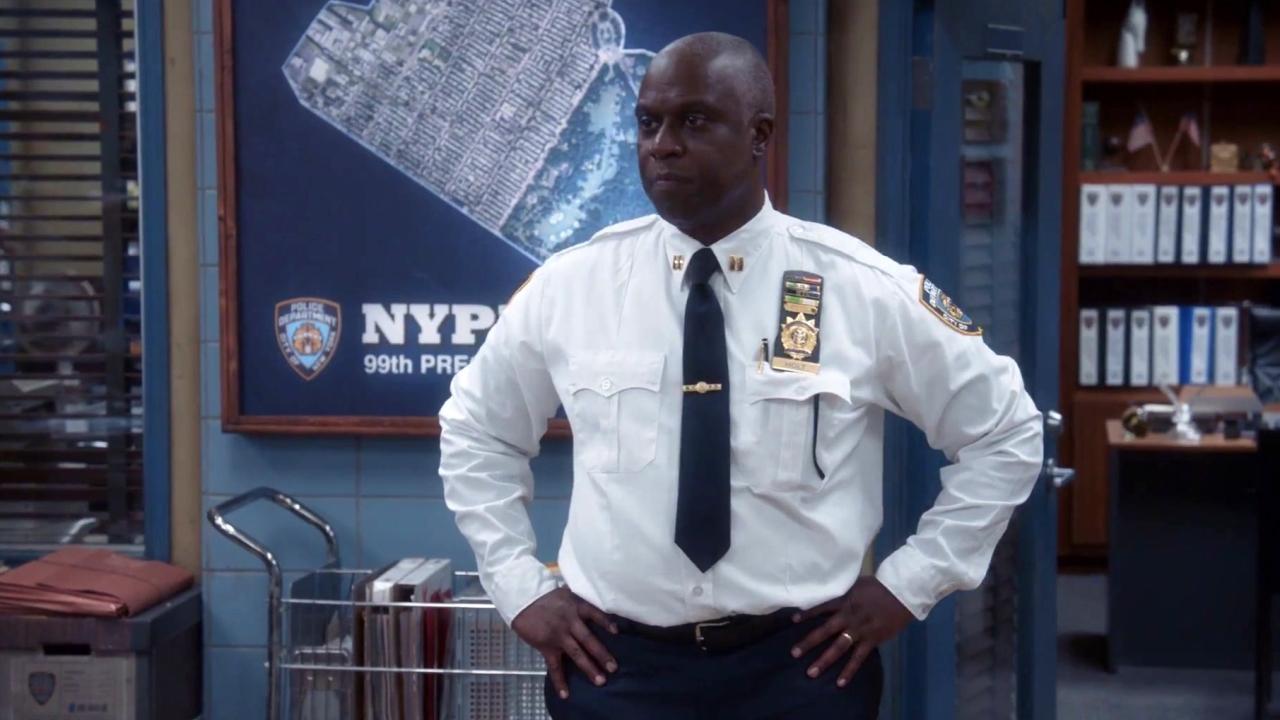 Brooklyn Nine-Nine: Captain Holt's Pie Goes Missing