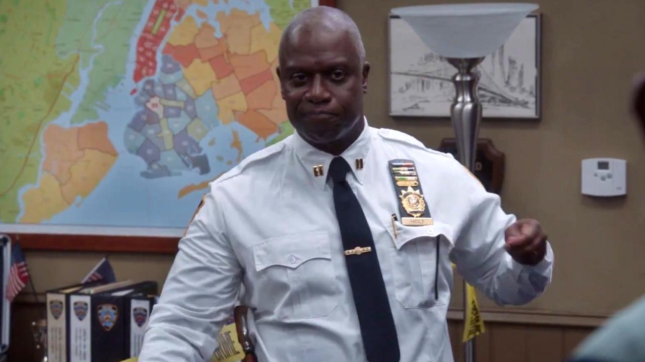 Brooklyn Nine-Nine: Captain Holt Interrogates His Team