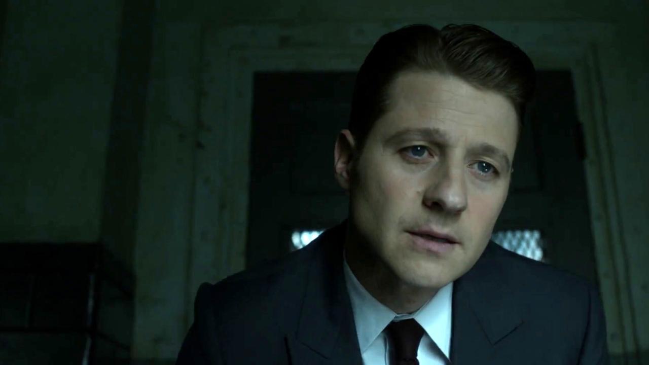 Gotham: Jim Visits An Inmate At The The Asylum