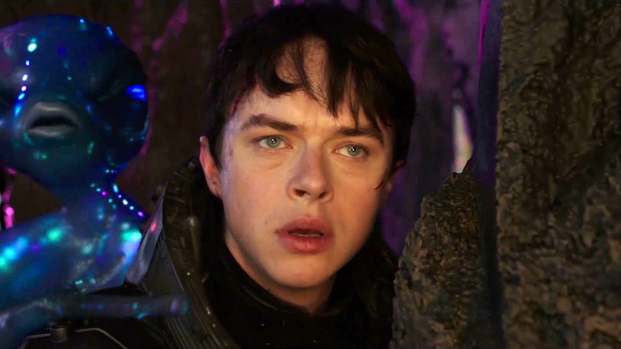 Valerian and the City of a Thousand Planets (Clean Trailer)