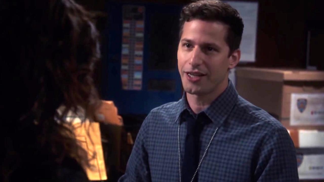 Brooklyn Nine-Nine: Jake Gives Rosa Advice