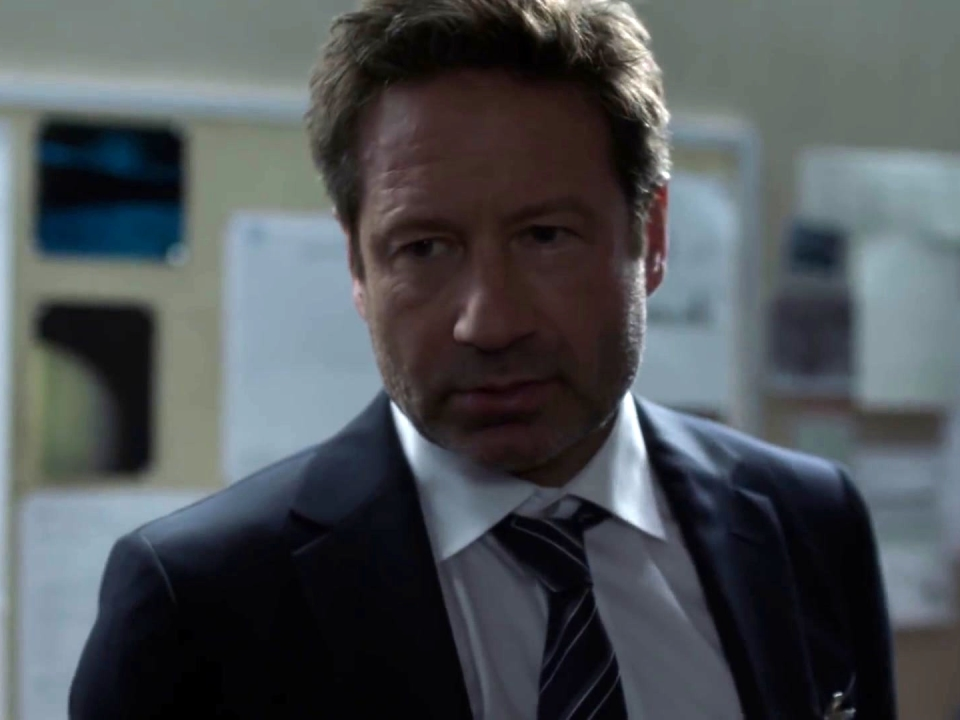 The X-Files: Scully Has A Seizure & Is Unconscious