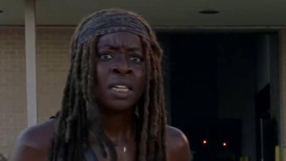 The Walking Dead: Michonne & Rosita's Close Call