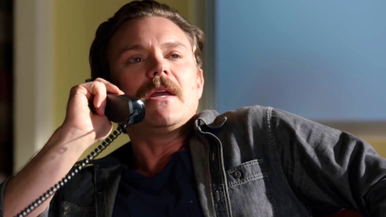 Lethal Weapon: Riggs Calls Maureen From Her Office
