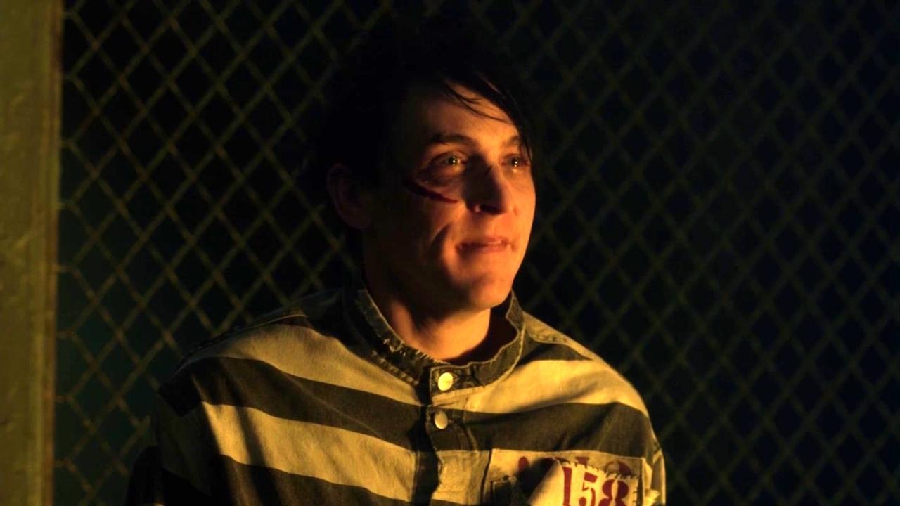 Gotham: Edward Visits The Penguin At The Asylum