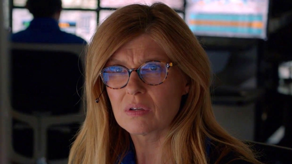 9-1-1: Athena Calls 911 To Get In Contact With Abby For Help