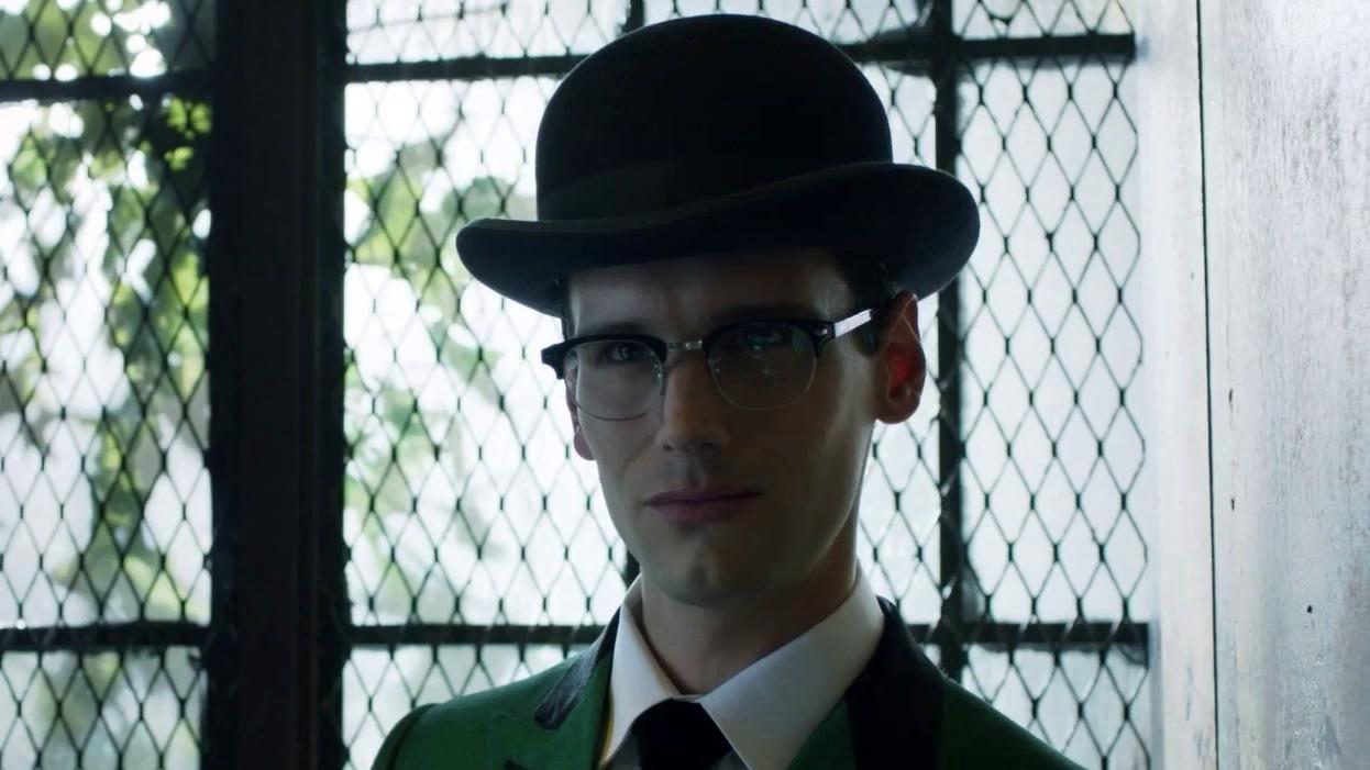 Gotham: Edward Hallucinates Himself