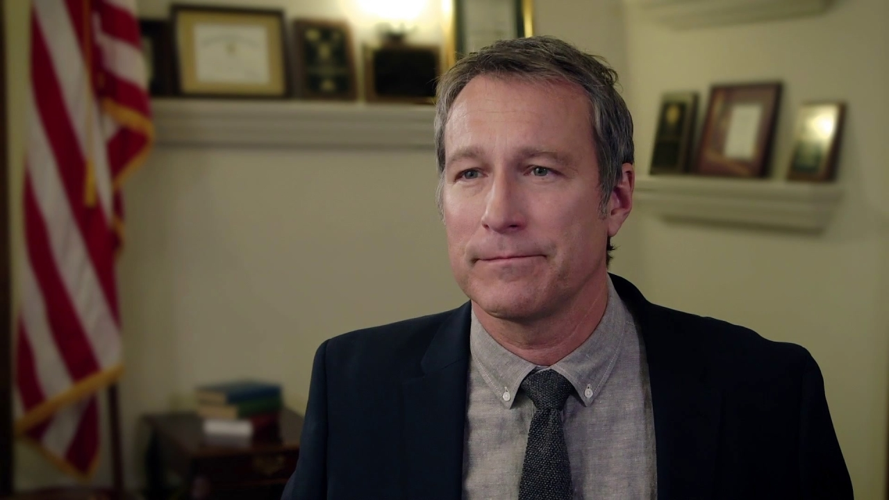 God's Not Dead: A Light In Darkness: John Corbett Is 'Pearce' (Featurette)
