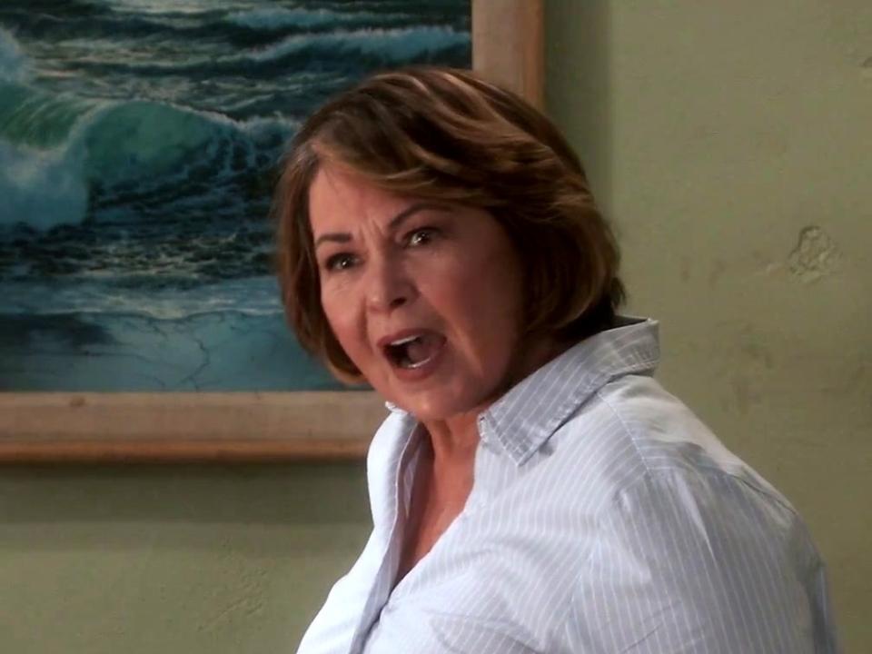 Roseanne: Roseanne Gets The Chair