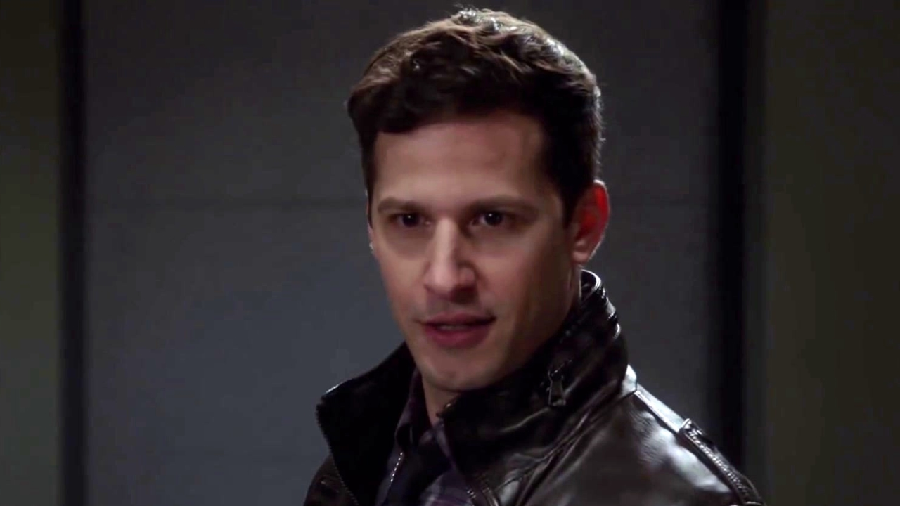 Brooklyn Nine-Nine: Captain Holt Takes His Turn To Question The Suspect