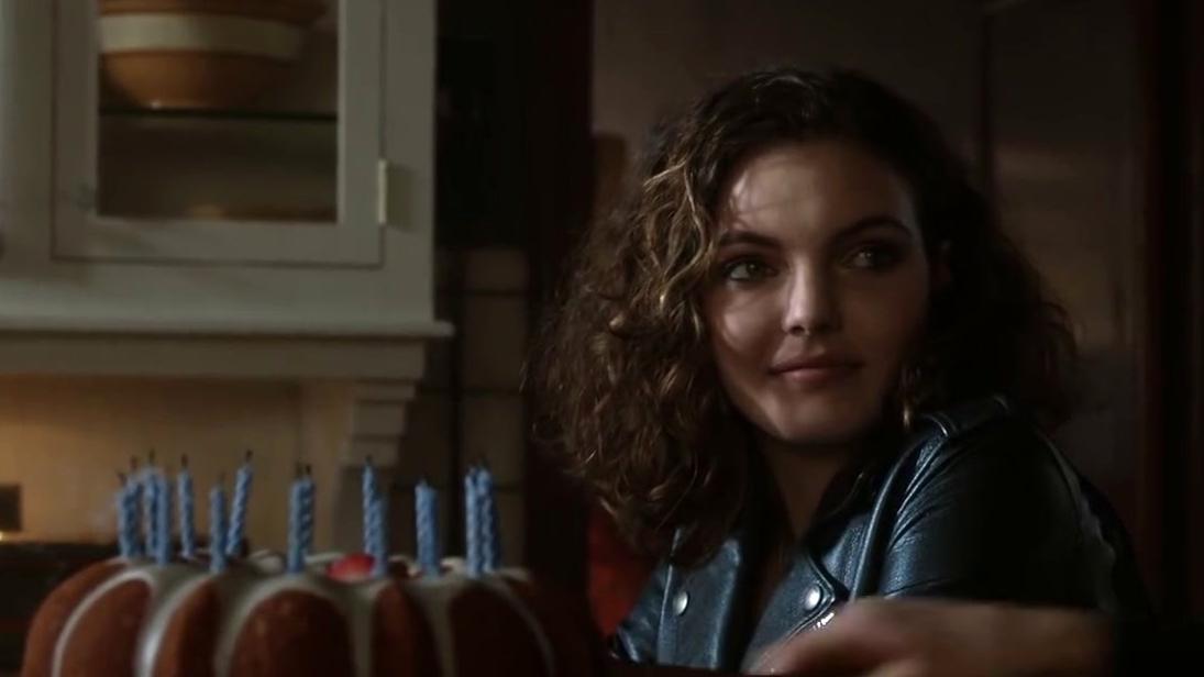 Gotham: Selina Visits Bruce On His Birthday