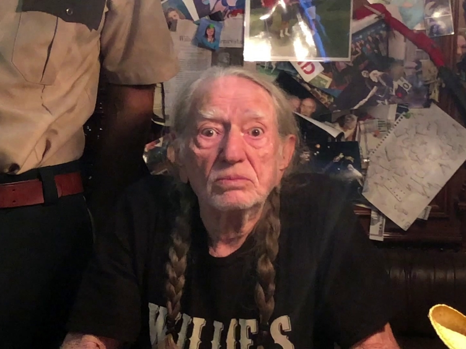 Super Troopers 2: Willie Nelson Ransom Video