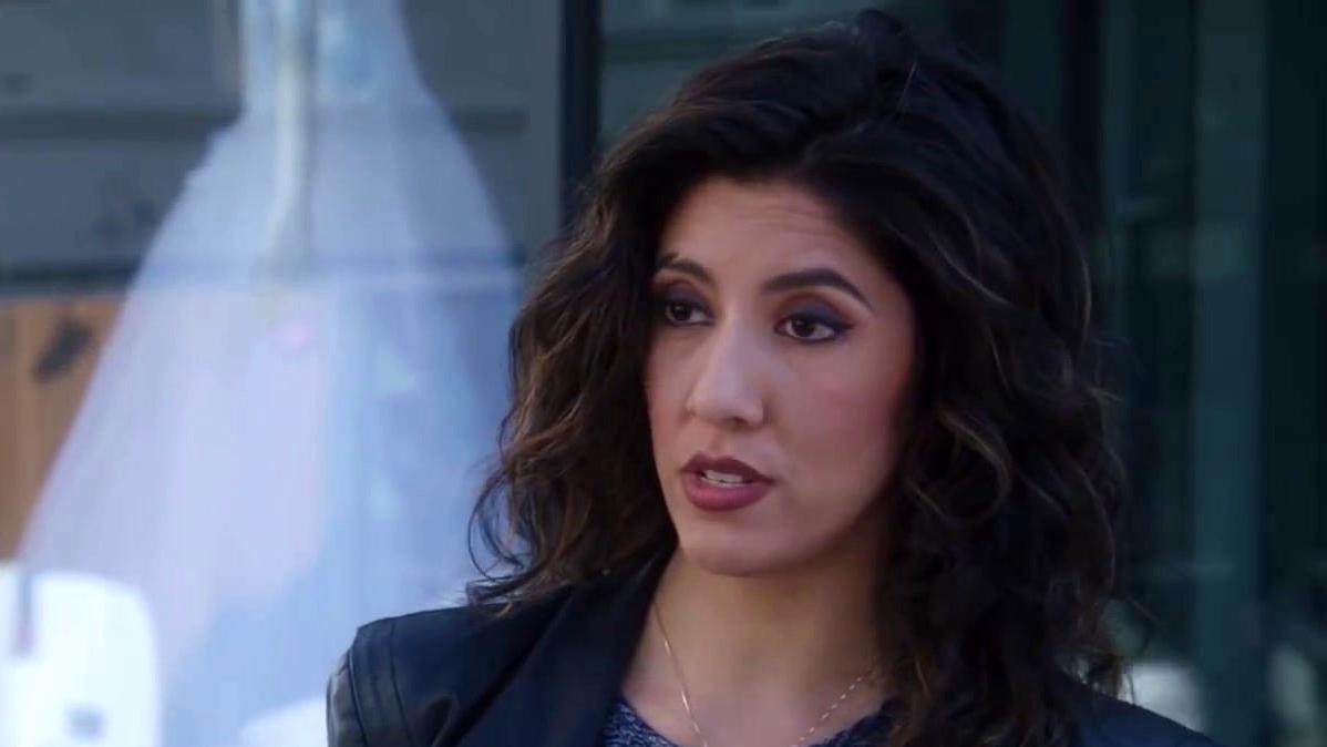 Brooklyn Nine-Nine: Rosa Makes Amy Check Out A Wedding Dress