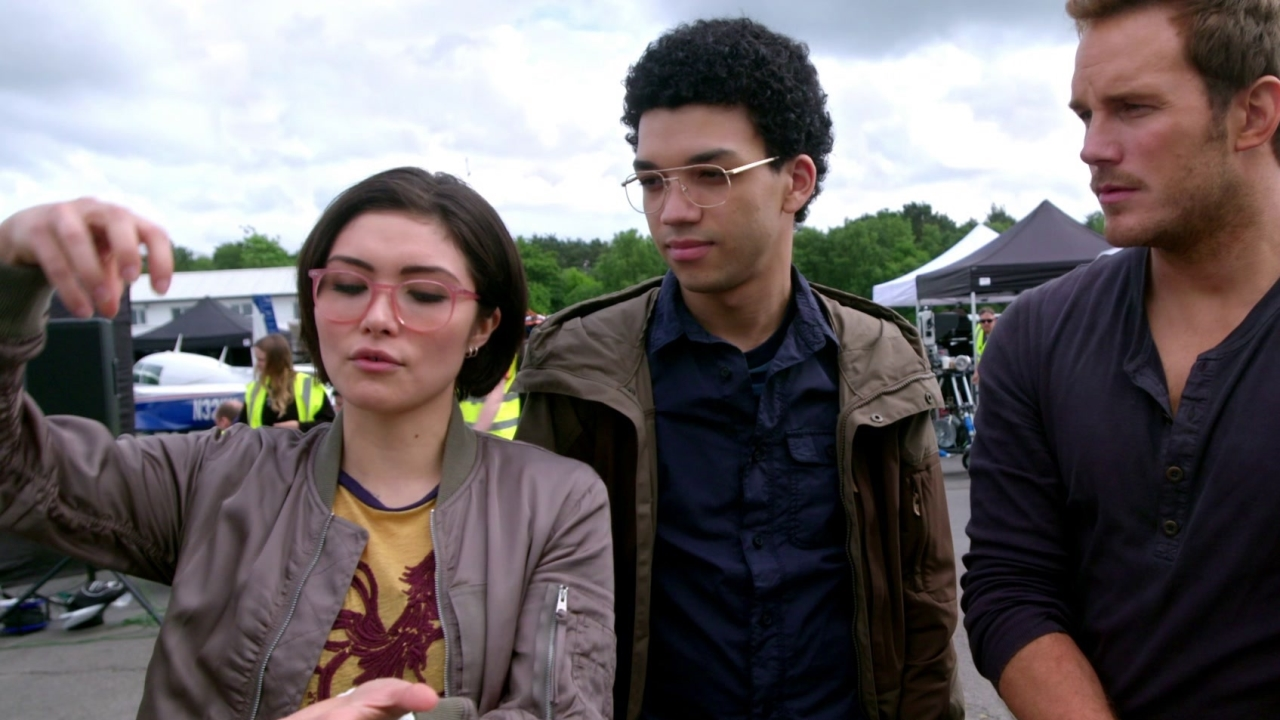 Jurassic World: Fallen Kingdom: Jurassic Journals: Justice Smith And Daniella Pineda
