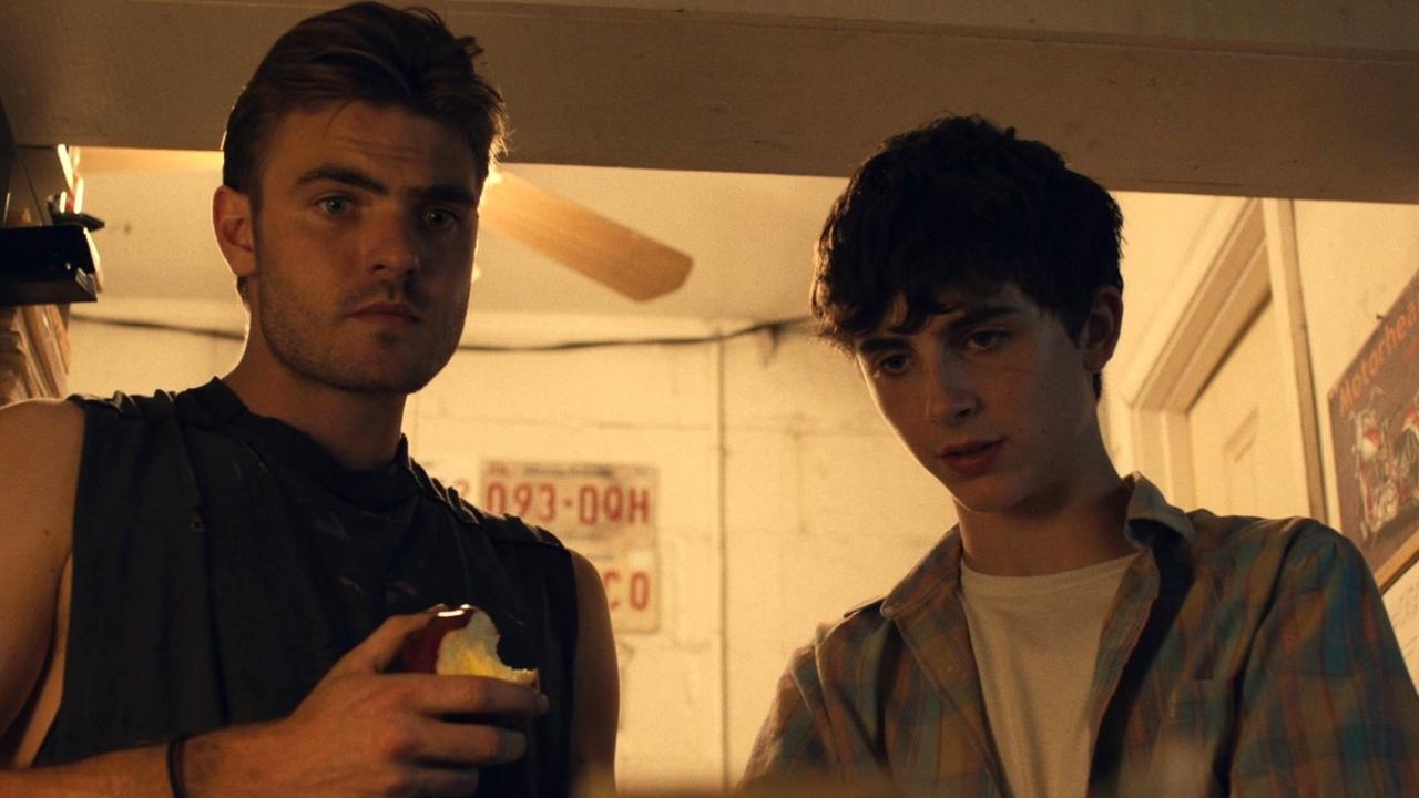 Hot Summer Nights: Daniel And Hunter Start Selling