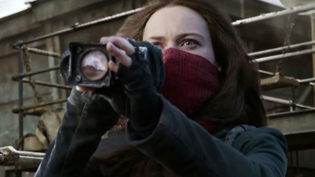 Mortal Engines: A Look Inside In (Featurette)