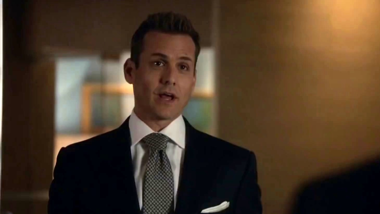 Suits: Louis Tells Harvey He Was Mugged