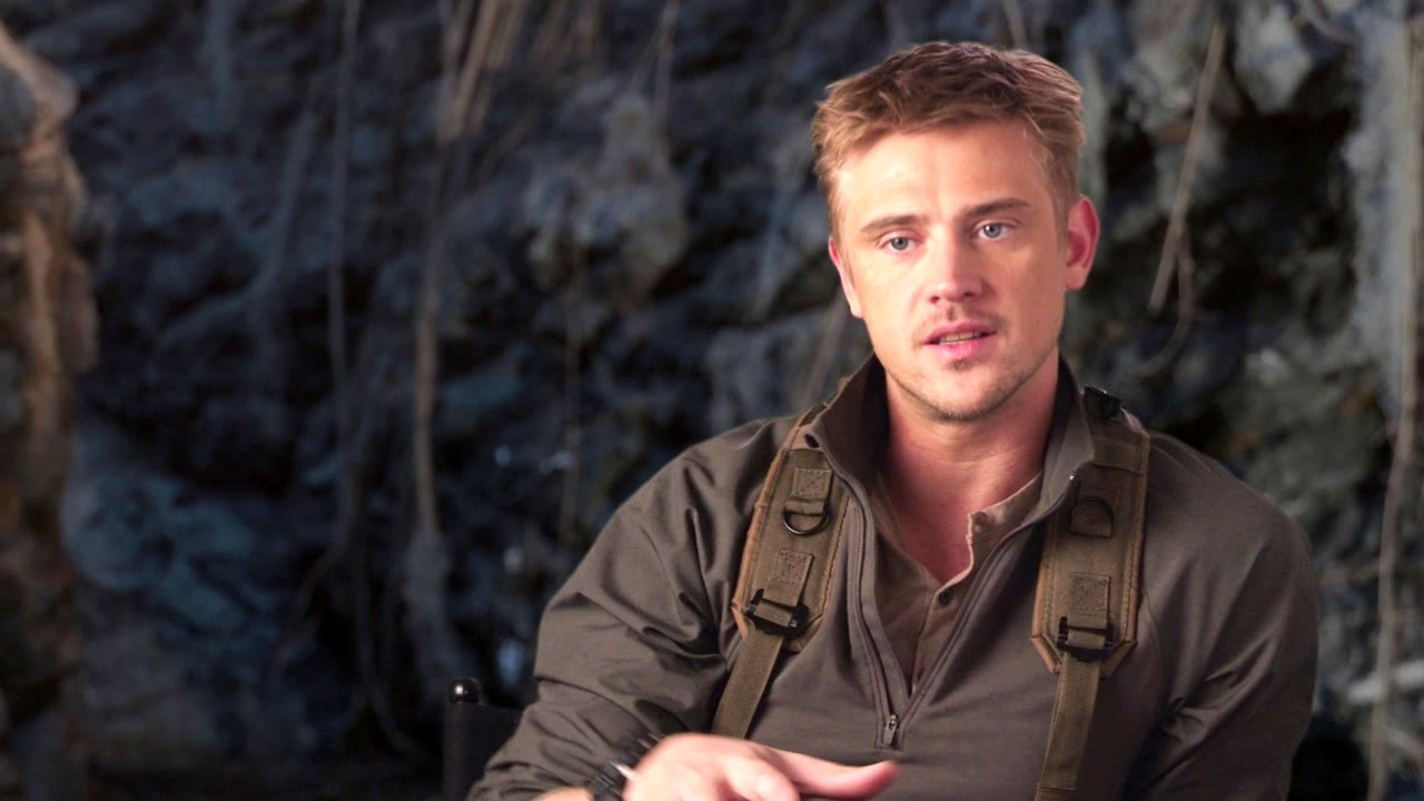 The Predator: Boyd Holbrook On What Makes The Predator Scary