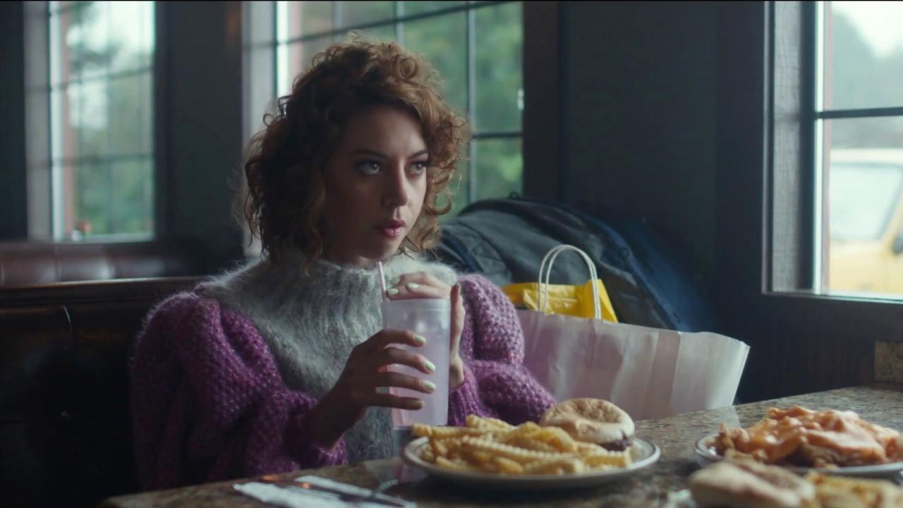 An Evening With Beverly Luff Linn (International Trailer)