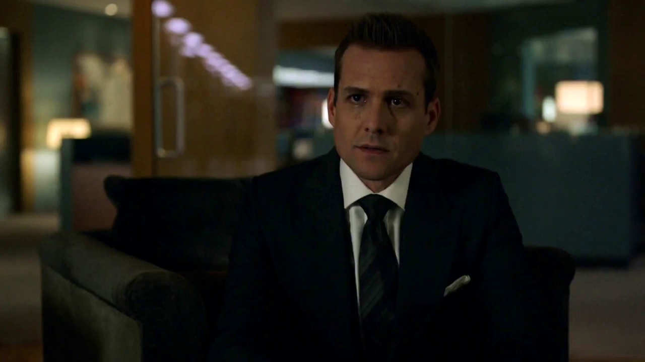 Suits: Harvey And Robert Talk A Divided House