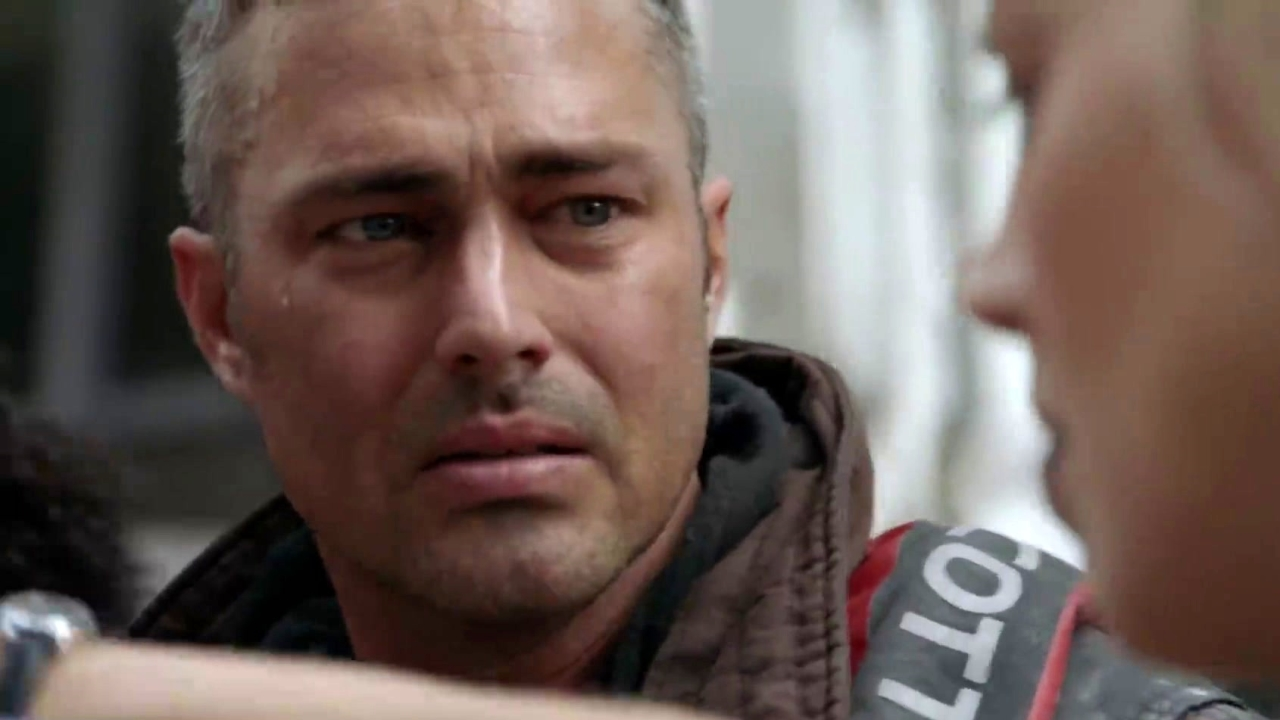 Chicago Fire: Kidd Rushed To Chicago Med