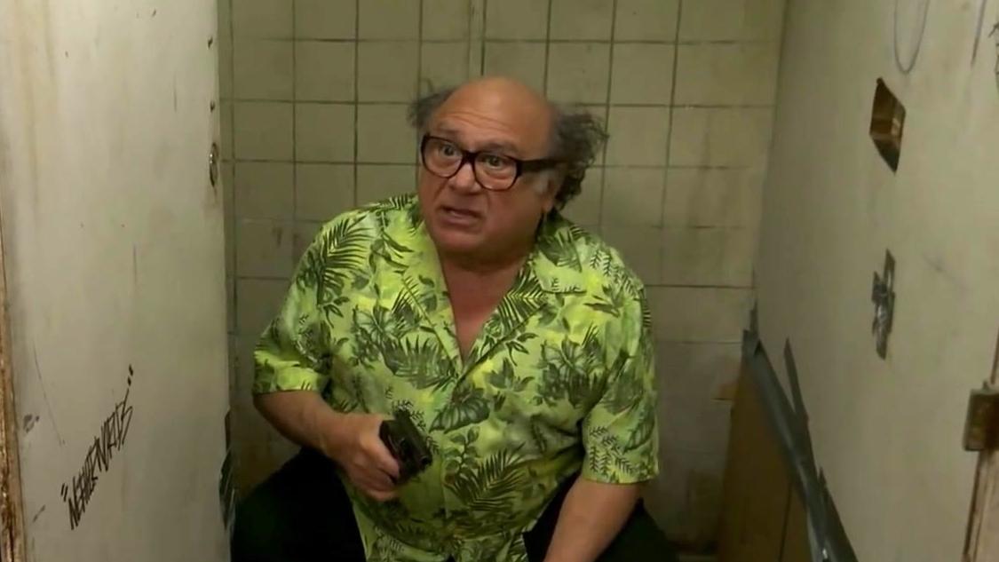 It's Always Sunny In Philadelphia: Bathroom Screams