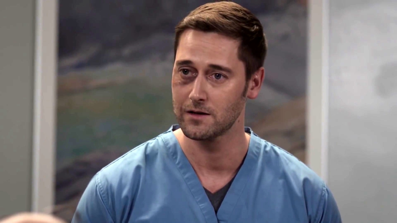 New Amsterdam: Max Helps His Team Move On