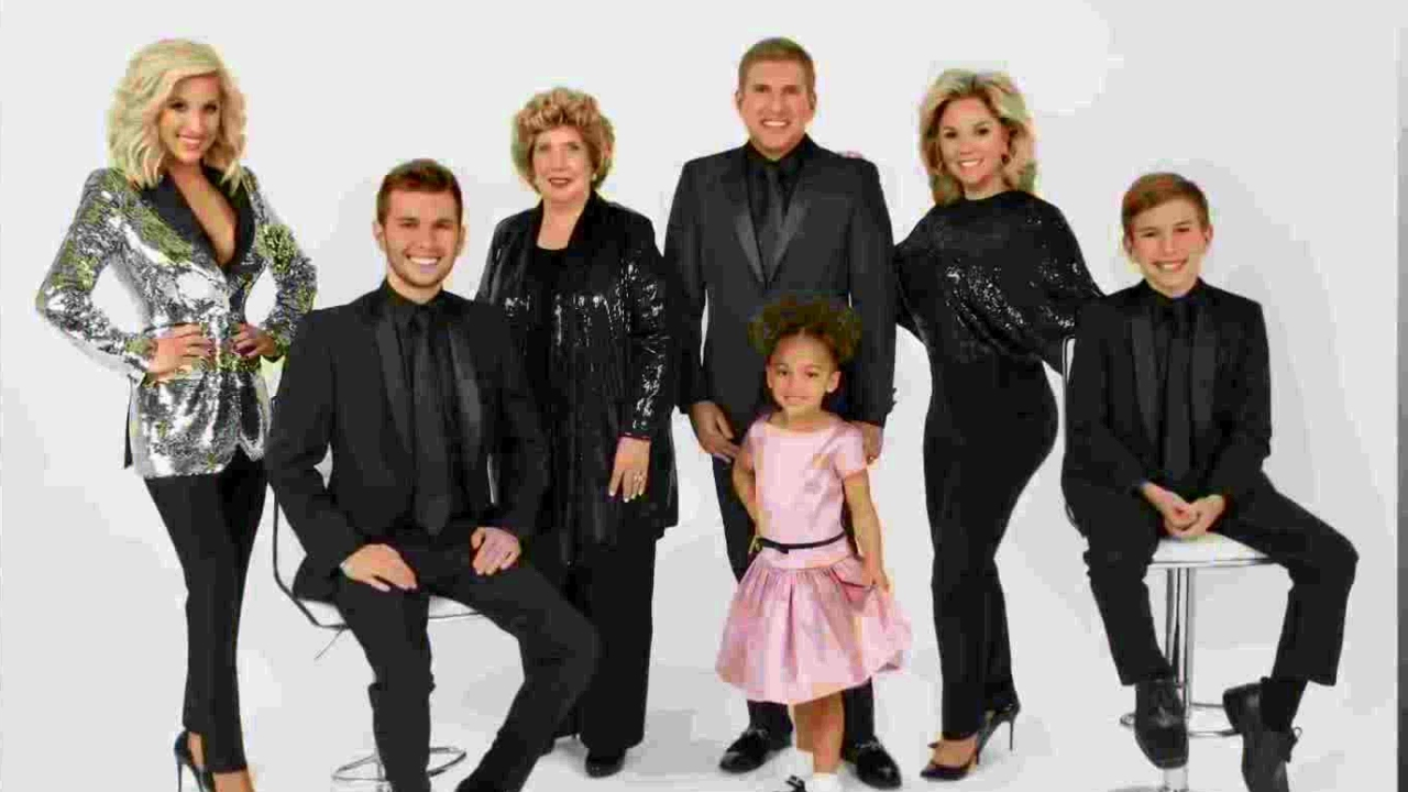 CHRISLEY KNOWS BEST: Painted Into a Corner