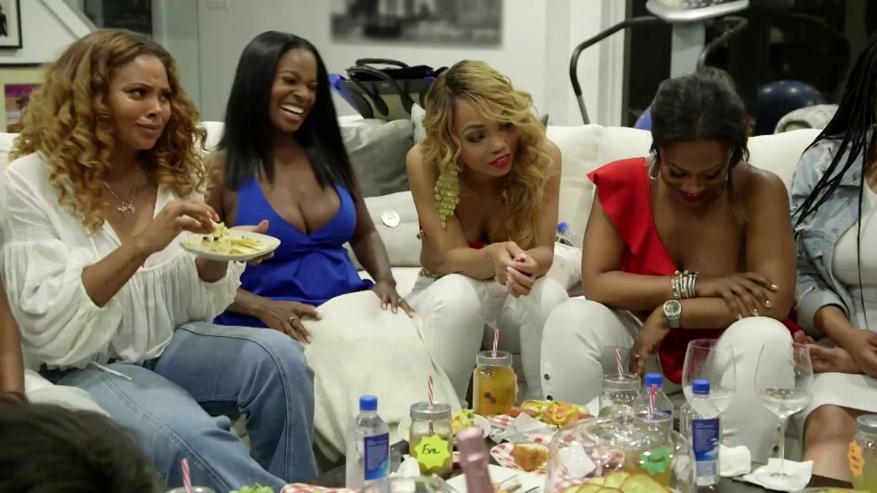 THE REAL HOUSEWIVES OF ATLANTA: Pass the Peach, Throw the Shade