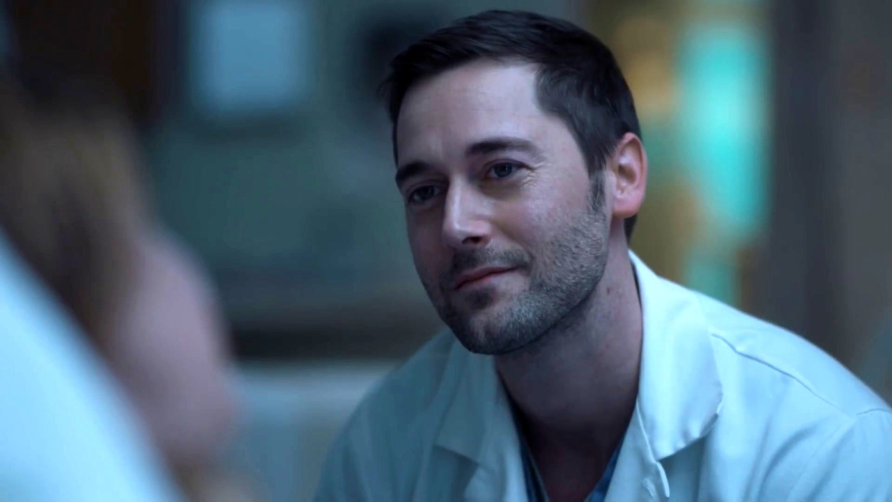 New Amsterdam: Sarah Tells Max It's Time For Her To Go