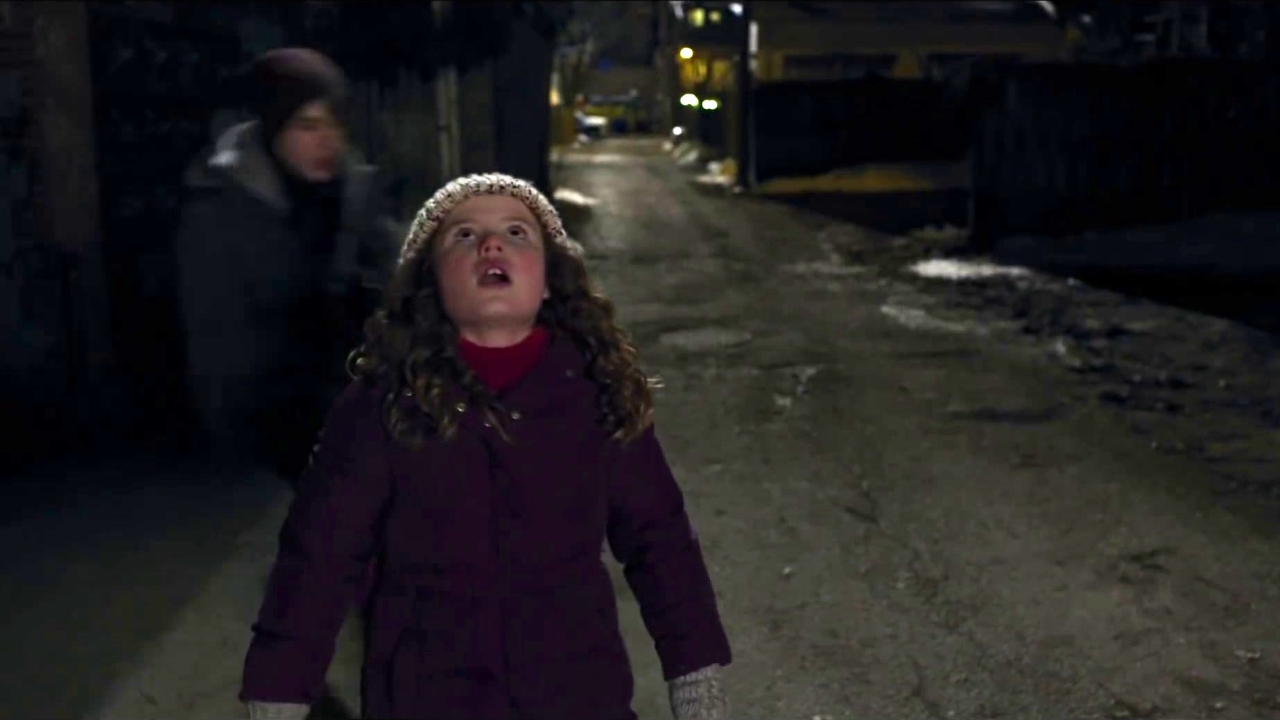 The Christmas Chronicles: Kate And Teddy Catch Santa