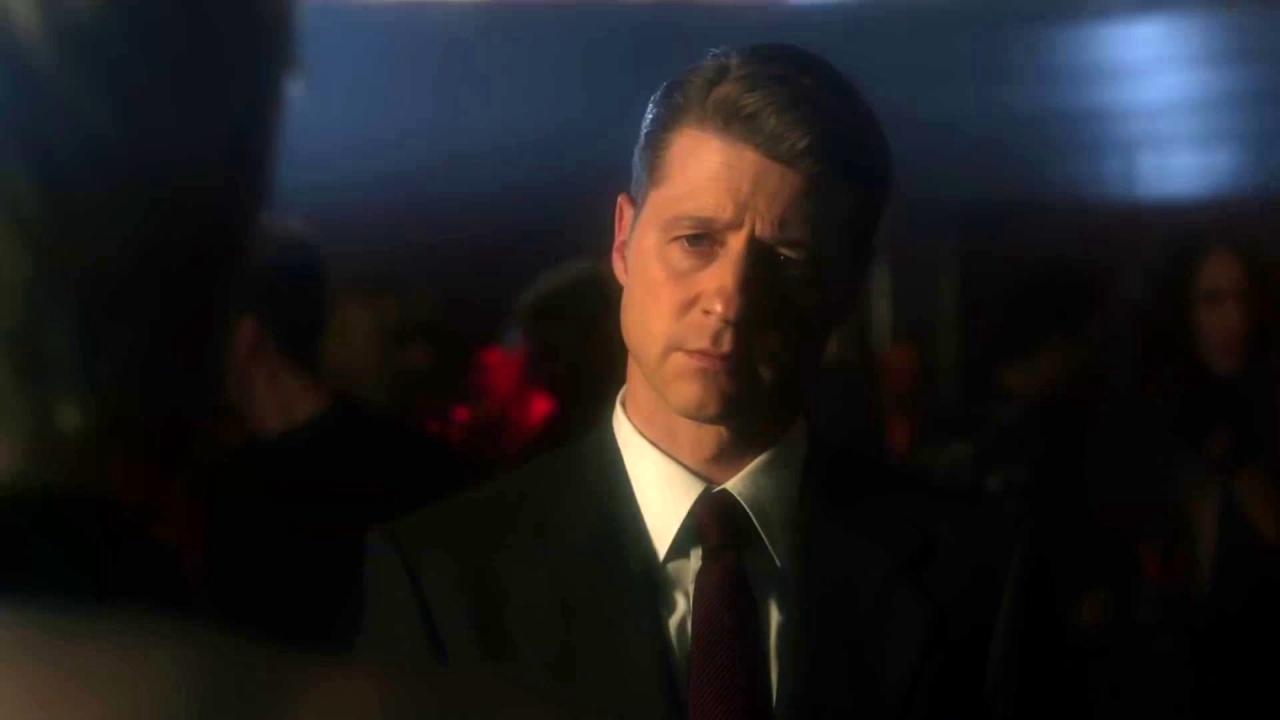 Gotham: Gordon Asks Barbara For Help