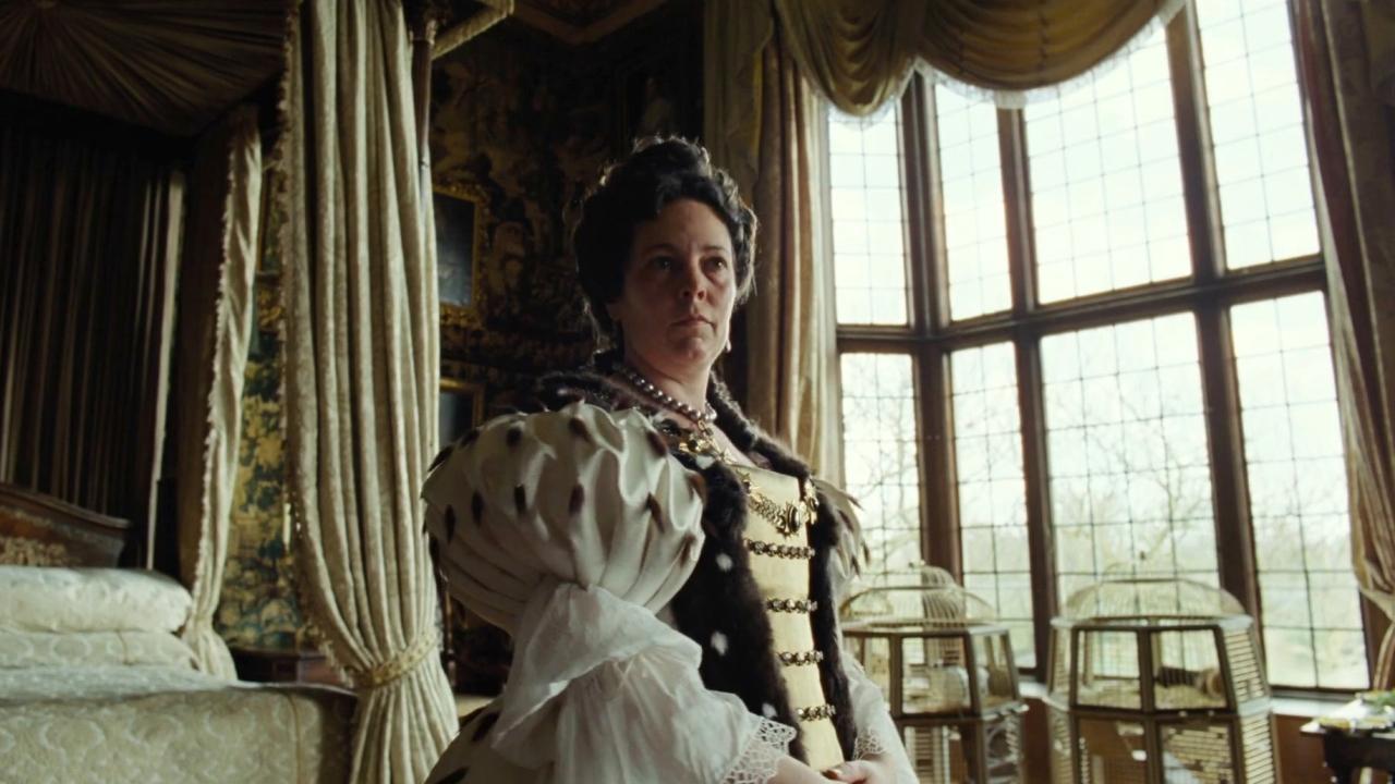 The Favourite: Bodice Politic: The Costumes Of The Favourite (Featurette)