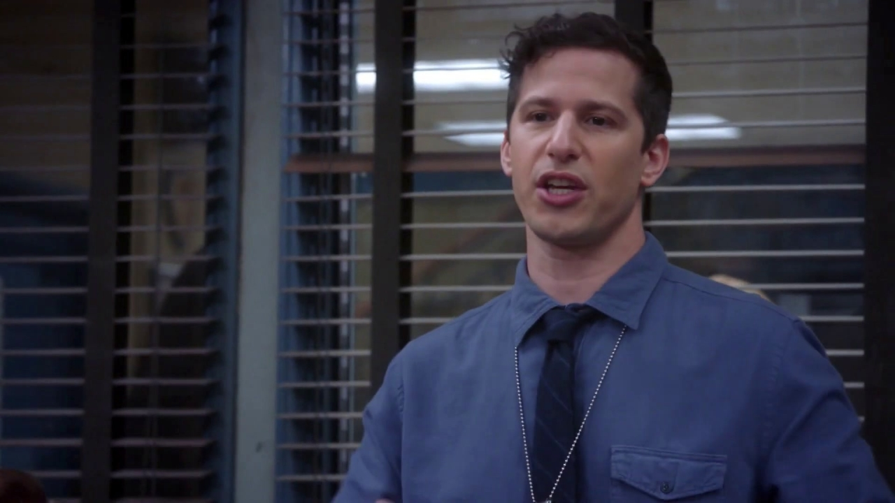 Brooklyn Nine-Nine: Jake Suspects Hitchcock And Scully Of Being Dirty Cops