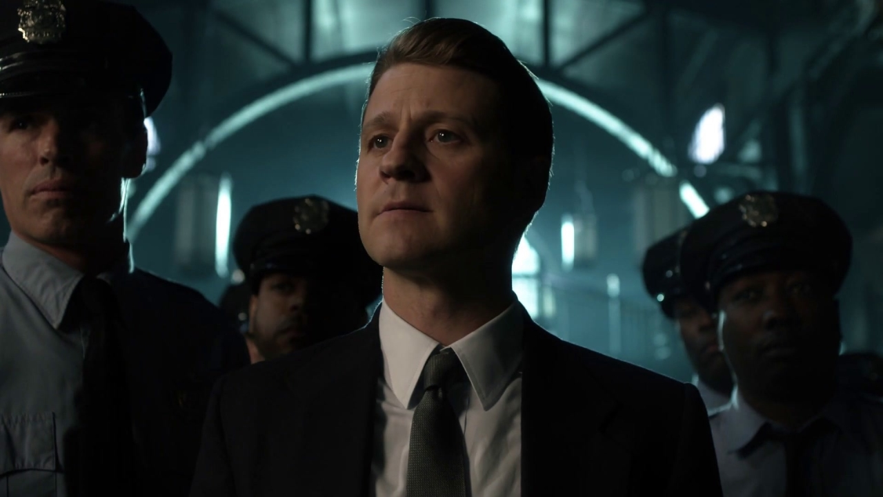 Gotham: The Penguin Brings Gifts To The Gcpd