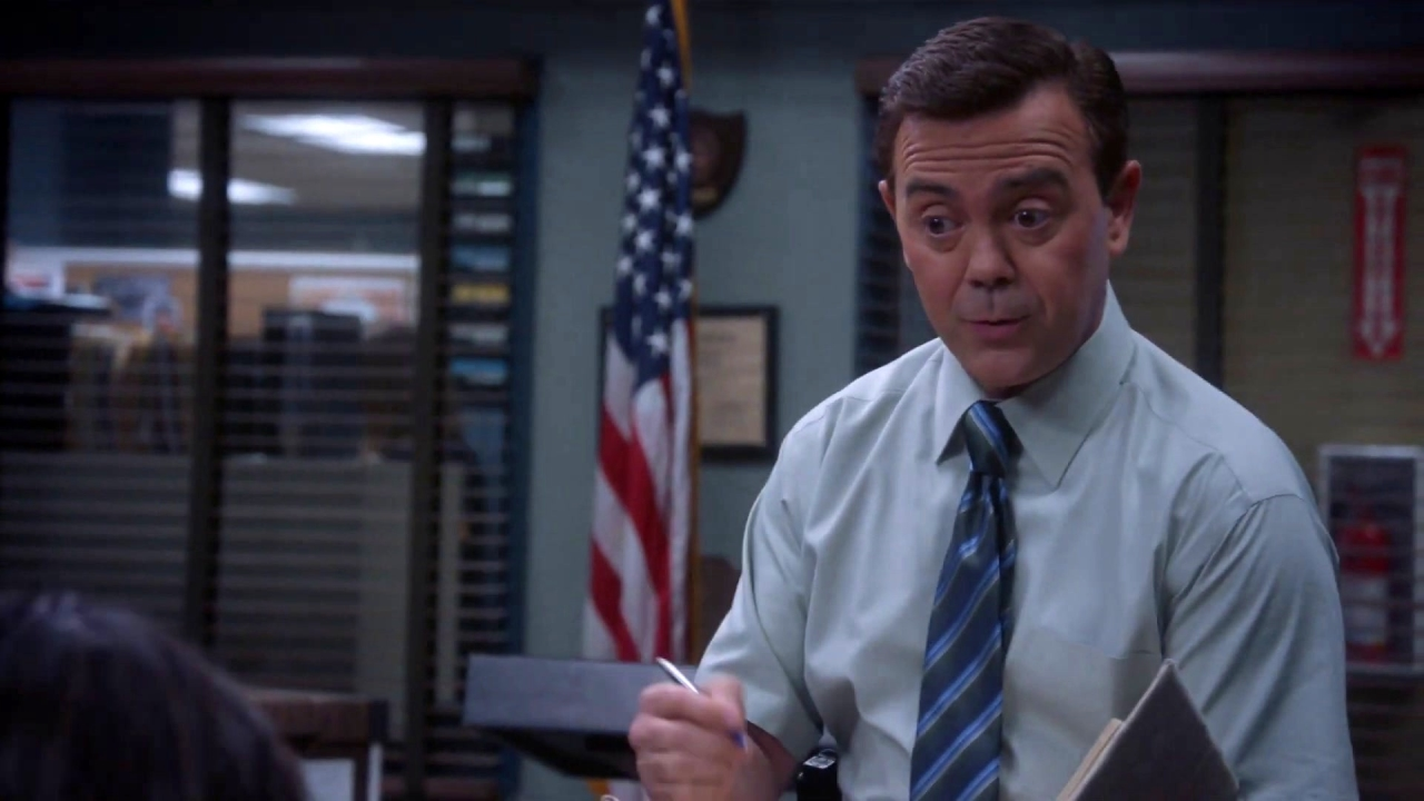 Brooklyn Nine-Nine: Boyle Helps Rosa Get Out of A Love Triangle