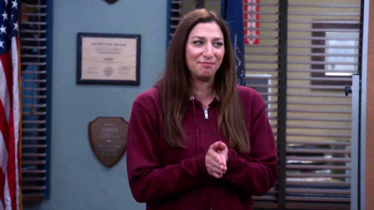 Brooklyn Nine-Nine: Gina Drops Some Hot Moves And Big News
