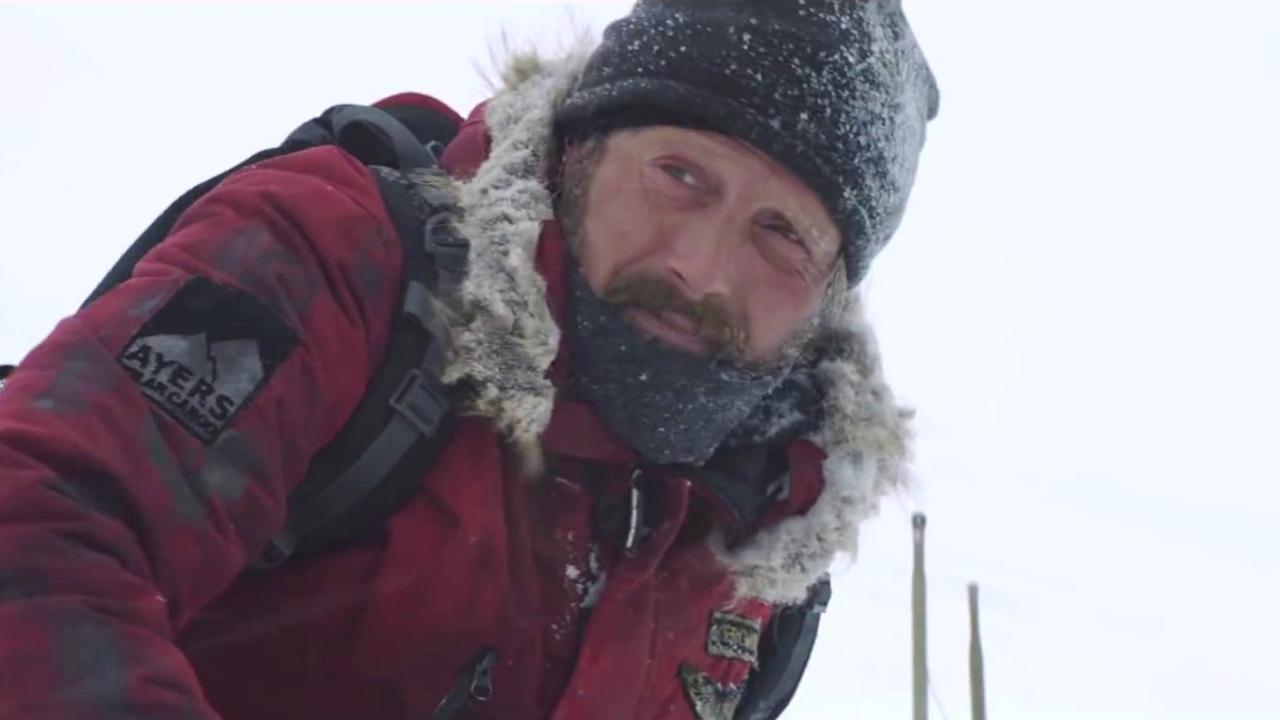 Arctic: Pawprint