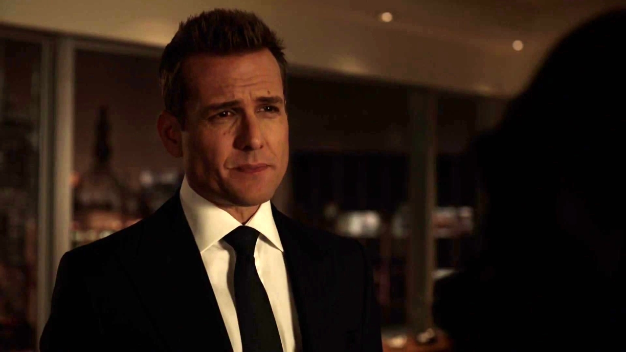 Suits: Gretchen Talks Sense To Harvey